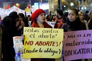 Organizaciones de derechos humanos exigen despenalización del aborto en Chile