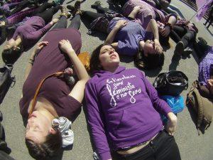 FOTOS| #YoDecido: Así fue la acción relámpago de las mujeres organizadas por un aborto legal en La Moneda
