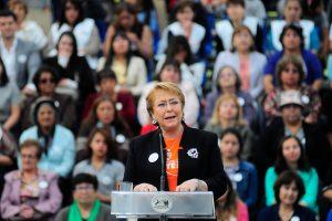 #25Nov: Bachelet anuncia proyecto de ley que tipificará como femicidios casos de pololos y convivientes civiles