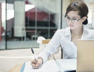 Mujer en el mercado laboral: persisten inequidades
