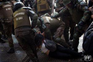 En primera manifestación estudiantil, Corporación Humanas denuncia violencia desmedida por parte de Fuerzas Especiales
