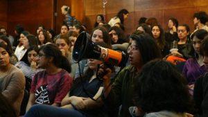 Con tomas y paros feministas las mujeres están haciendo historia