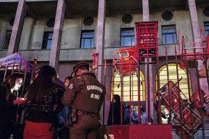 Toma feminista en U. de Chile veta a denunciados por acoso en redes sociales