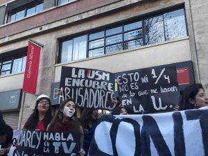 """Dirigentas feministas de la UTFSM acusan """"persecución política y machista"""" de la institución tras movilizaciones"""