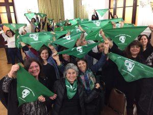 Corporación Humanas y Mesa Acción por el Aborto en Chile junto a parlamentarias de oposición dieron a conocer proyecto de despenalización del aborto a organizaciones feministas