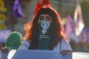 Brújula Constituyente Feminista: la guía que busca avanzar hacia la igualdad y autonomía de género en la nueva Constitución